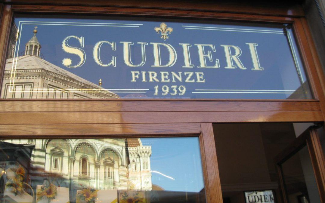 L'odore del negozio di scampoli tra un bignè e una spumina di Scudieri